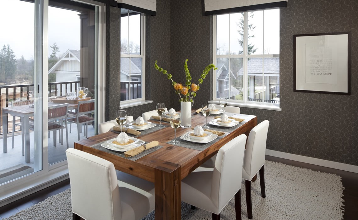 Cynthias Interior Design Expertise Flawlessly Incorporates Surroundings With A Homeowners Tastes To Create An Alluring Home